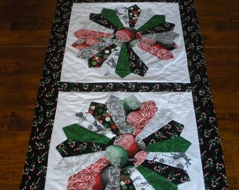 Christmas Quilted Dresden Plate Table Runner