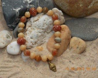 Orange Bracelet. Sea Shell bracelet. Beach bracelet. Beach dreams.