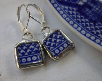Blue Willow vintage china earrings- broken china jewelry - broken china earrings- blue and white pattern earrings- blue dangle earrings