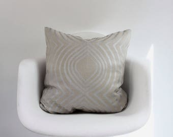 "Aya Contour 20x20"" pillow cover in metallic silver hand printed on greige hemp"