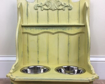 Antique style Dog or Cat Raised Feeder with Appliqué