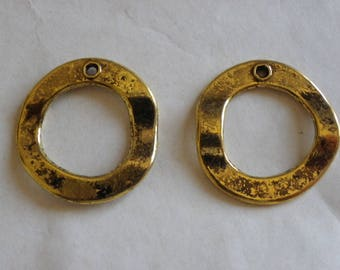 2 charms in brass golden age of 30 mm
