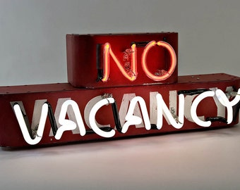 Neon No Vacancy Sign