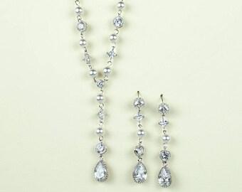 Teardrops Necklace & Earrings Jewelry Set
