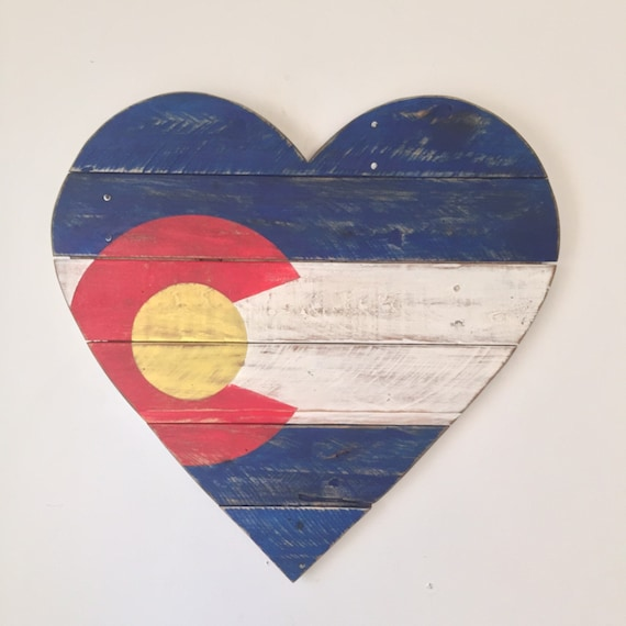 Colorado flag wood heart wall decor for Wooden heart wall decor