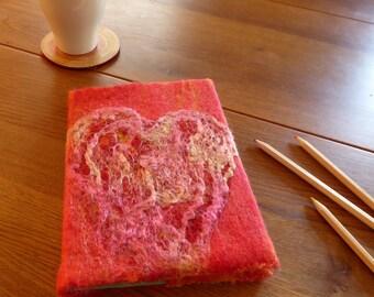 Rode boekomslag met hart, handgevilte boek cover, A5 formaat, incl. boekje, merinowol,zijde,dagboek,gastenboek,moederdags cadeau, uniek gift