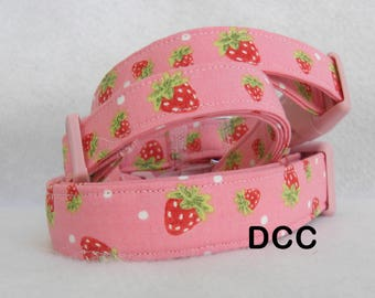 Dog Collar Strawberry Fun on a Pink Background CHOOSE SIZE Adjustable D Ring Collars Accessories Leaves Pet Pets Accessory