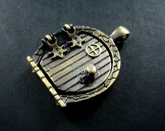 10pcs 23x25mm setting size vintage antique bronze alloy magnetic open door engraved photo locket pendant charm findings 1810189