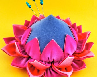 Protea Pincushion Pattern, Fabric Flower Pincushion, Kanzashi Flower Pincushion, King Protea, Pincushion Tutorial, La Todera, Kaffe Fassett