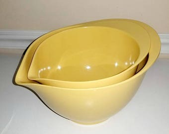 Yellow Batter Bowls, Mixing Bowls, Melmac Bowl, Nesting Bowls, Yellow Kitchen, Bowl with Spout, Melamine Bowl, Bottom Grips, Yellow Kitchen