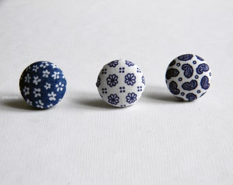 Blue lapel button. Round lapel pin. Office wear. Buttonhole. Paisley, floral boutonniere. Cotton lapel pin. Made in Italy.  Small pin.