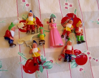 snow white and her seven dwarfs