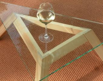 triangular sidetable from limewood