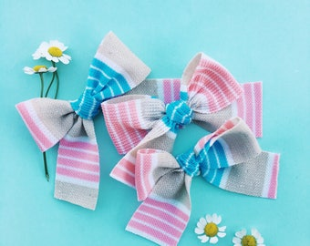 Handtied vintage knit bow [ candy stripe ]