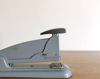 vintage industrial stapler | large size