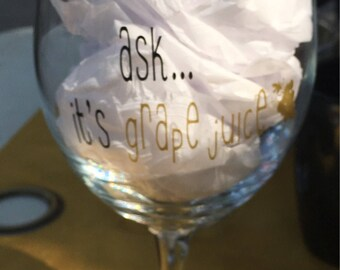 Funny Custom Wine Glass, Mom Wine Glass, Gift for Mom