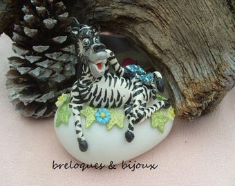 MODELAGE ZEBRE PORCELAINE froide figurine porcelaine froide sur veilleuse cadeau unique fait entièrement a la main