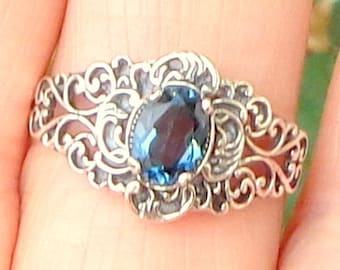 Sz 9,  Natural London Blue Topez Ring, Antiqued Sterling Silver, Vintage Jewelry, Filigree Silver Band, Deep Blue Topaz