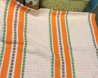 Vintage Retro Tablecloth Daisy Orange Green White