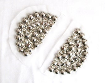 2PCS.Silver Epaulets,Epaulets,Handmade Shoulder Pads With Chain,Silver Metalic Bead Pads Shoulder Embellishment,Costume Accessory