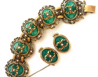 Vintage Judy Lee Bracelet and Earring Set, Judy Lee Spanish Moss Jewelry Set, Jade Green Molded Glass, Faux Pearls, Signed