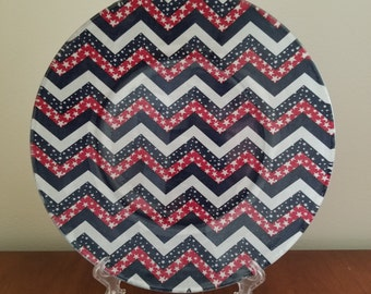 """Red White And Blue Stars And Stripes 10"""" Round Plate"""