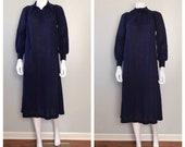 Vintage Navy Blue Knit Sm...