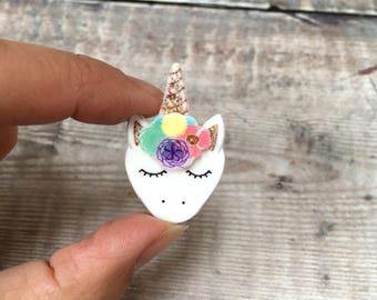 Unicorn pin - Unicorn brooch - Unicorn badge - Unicorn face - Gift for her - Unicorn gift - Lapel pin - Birthday gift - Quirky jewellery