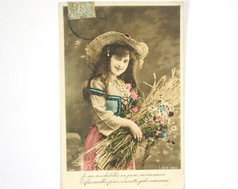 Tinted girl bouquet flowers from the champs-old postcard 1900 s card greeting romantic - flowers - photography black and white