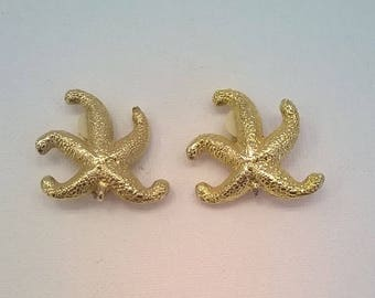Goldtone Starfish Earrings - Vintage Clip On Style - Textured Finish on Goldtone Metal - Beachy Earrings