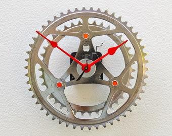 Bike Gear Clock, bicycle parts gift, bike parts clock, cyclist gift, boyfriend gift,  unique repurposed bike clock, Recycled Bike Gear Clock