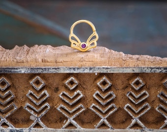 Stone Septum Ring Gold, Septum Piercing, Tribal Boho Septum, 18K Gold Plated, Septum Ring, 18g, 16g, 14g, Gold Nose Jewelry