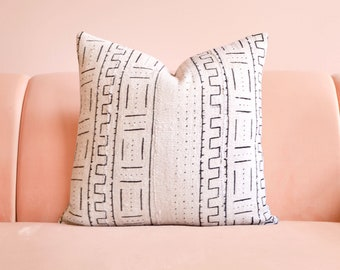 Throw Pillow, Beige Pillow, Mud cloth Pillow, African Mudcloth, Boho Pillow, Boho Decor, Lumbar Pillow, Decorative Pillow, Geometric Pillow