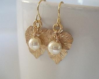 Gold Leaf Earrings Pearl Earrings Gold Leaf Earrings Bridesmaids Earrings Wedding Jewelry Golden Leaf with Pearl Earrings