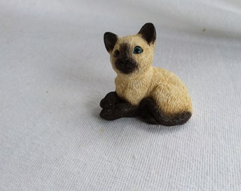 Vintage Sandicast Like Siamese Kitty Cat Figurine