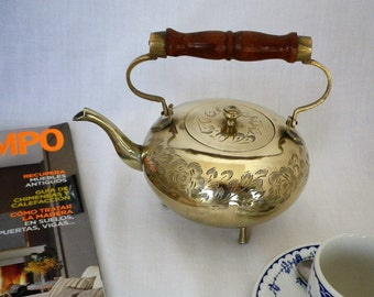 Small Silver Plated Teapot with 3 Legs