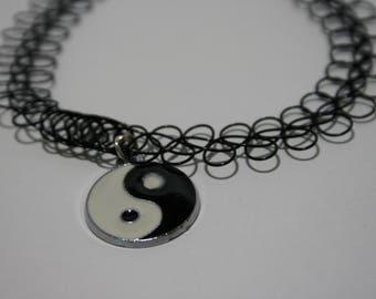 Yin Yang 90's Choker