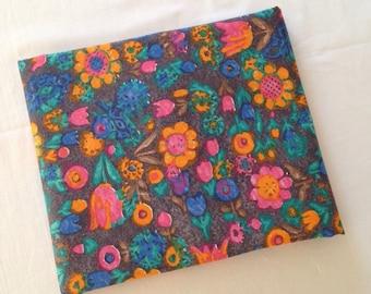Floral vintage fabric 1m //1970s 1960s cotton colorful // UK seller