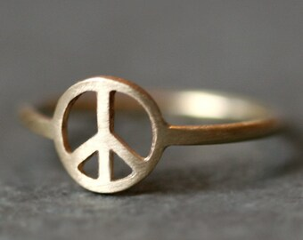 Peace Sign Ring in 14k Gold