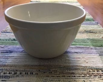 Vintage Ironstone Pudding Bowl - England 1940s - 6.5 Inches (17 cm)
