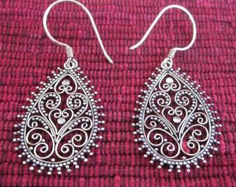 Balinese Sterling Silver Teardrop Earrings / silver 925 /  Bali handmade granulation jewelry / (#129K)