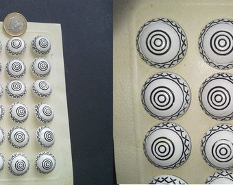 Vintage 24pz buttons Black and white