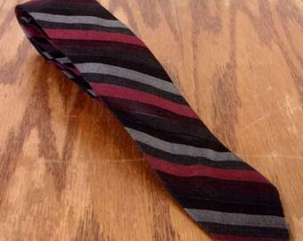 """vtg 50s ReTrO black/red/gray Striped Acetate Men's Skinny Tie Necktie 57"""" 1.75"""""""