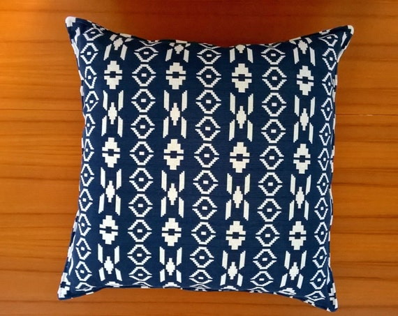 S - 451 Navy and white cushion