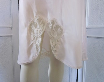 "1970s Unworn Pale Pink Satin Half Slip by ""Wonder Maid,"" Size M"