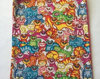 Meal elasticated pattern cats and fuchsia Terry towel