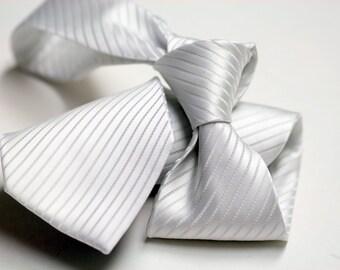 Tie in Stripes in White on White