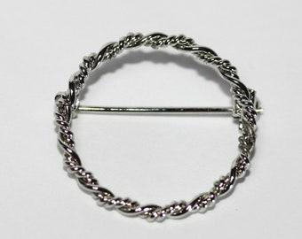 Silver Tone Metal Twisted Rope Circular Small Brooch Pin