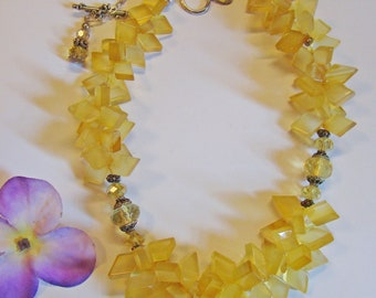 Handmade natural Yellow kite shape Caldedone and citrine necl;ace with silver findings