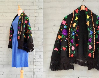 1960s embroidered cape / 60s wool shawl / 1960s floral cape / 60s fringe shawl